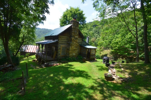 1860s Cabin Near Troublesome Gap
